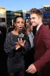123036_robert-pattinson-and-shaun-robinson-talk-about-the-thousands-of-eclipse-fans-at-the-films-premiere-l