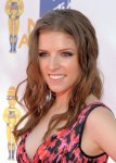 Anna_Kendrick_arrives at the 2010 MTV Movie Awards at Gibson Amphitheatre on June 6, 2010 in Universal City, California._426_600_7_6_2010 _ 15_00_23_0